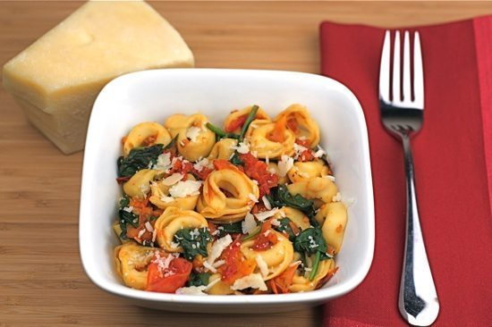 cheese-tortellini-with-spinach